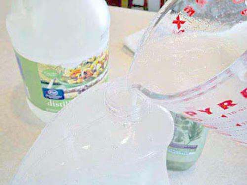 ¿Cómo preparar un suavizante natural en casa?