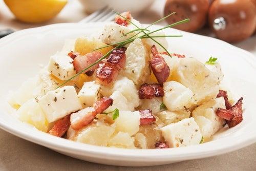 Ensalada de patata con bacon