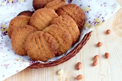 Galletas rellenas de mantequilla de cacahuete