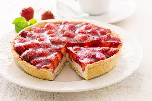 Tarta de fresa con queso crema