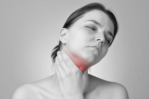 Mujer con primeros síntomas de hipotiroidismo