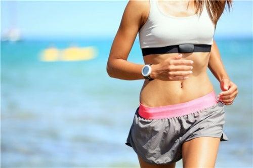 8 maneras prácticas de acelerar tu metabolismo (y perder peso)