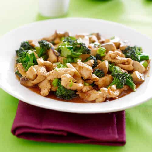 Brócoli con pollo y arroz