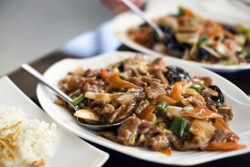 Chop suey de pollo y verduras