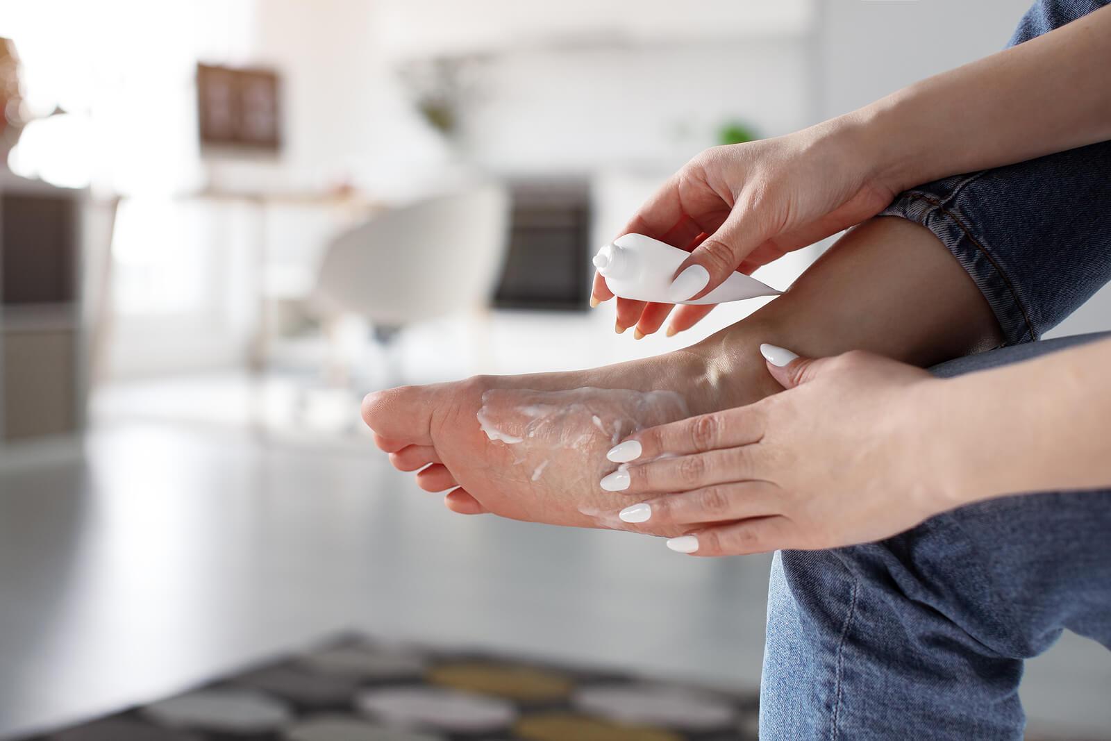 ¿Cómo eliminar efectivamente los callos en los pies?