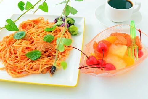 Espaguetis con salsa de naranja