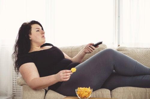 8 razones por las que tu abdomen tiende a acumular grasa