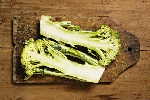 ¿Cómo-incluir-tallos-de-brócoli-en-tu-dieta