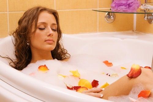 ¿Cómo-se-prepara-un-baño-herbal