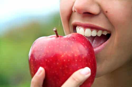 ¿Comer fruta antes o después de la cena?
