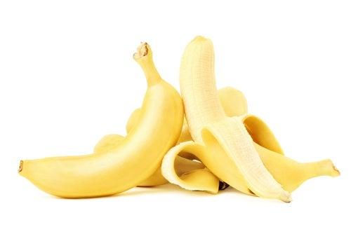 el banano causa micción frecuente en pacientes con EM