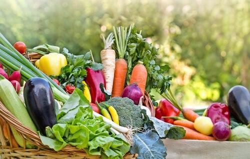 alimentos frescos para evitar problemas hepáticos