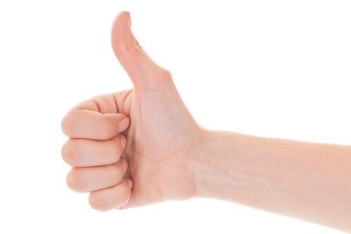 Las flexiones de los dedos son útiles contra el dolor de la artitris.