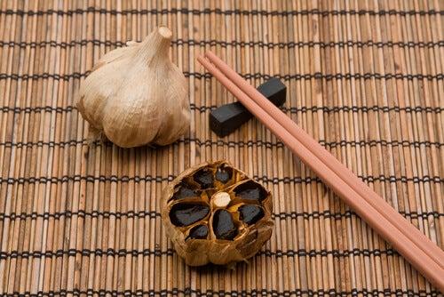 Combatir el colesterol con ajo negro