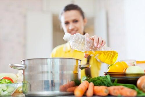 Los mejores y peores aceites de cocina para su salud