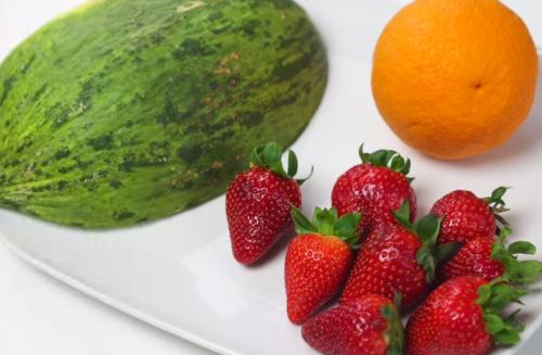 Melon-naranja-y-fresas
