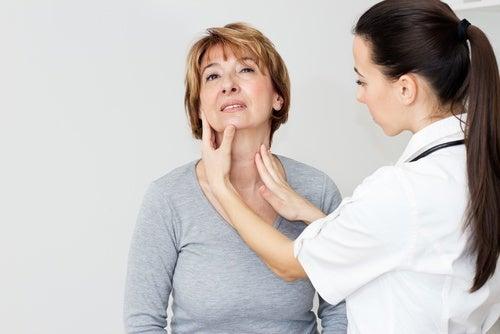 Usos saludables del ajo: ayuda a regular la salud tiroidea