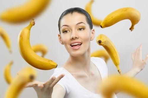 Usos-de-la-cáscara-de-banana-en-la-belleza