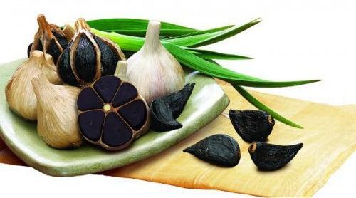 Las bondades del ajo negro