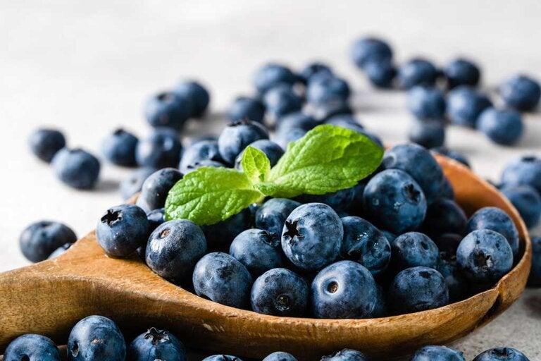 10 alimentos antiinflamatorios que deberías incluir en la dieta habitual