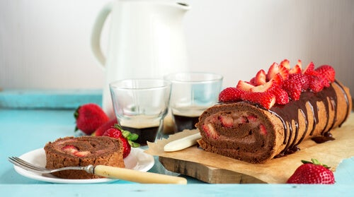 Brazo gitano de fresas y chocolate