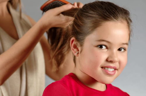 Consejos para que el cabello de tus hijos crezca fuerte y bonito
