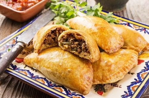 Receta casera de empanadas de carne o pollo