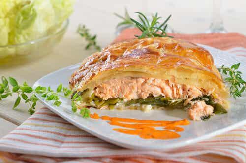 Trenza de hojaldre rellena de salmón