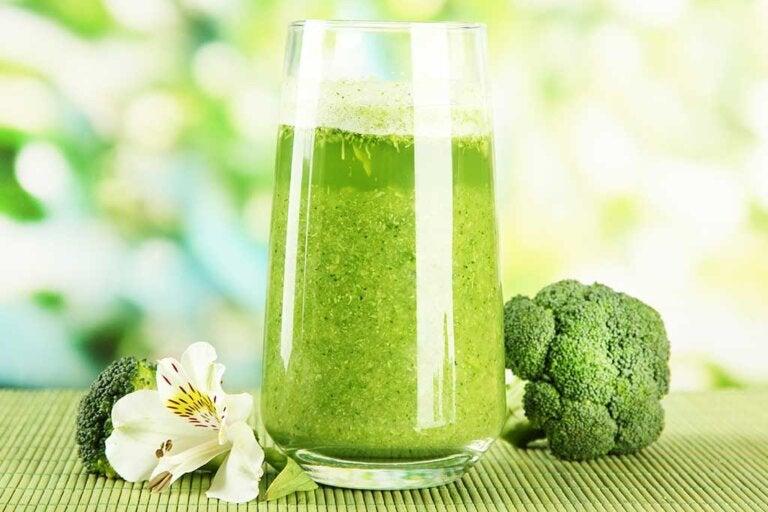 5 jugos vegetales diferentes y sencillos
