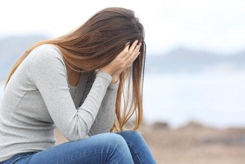 Mujer triste con depresión
