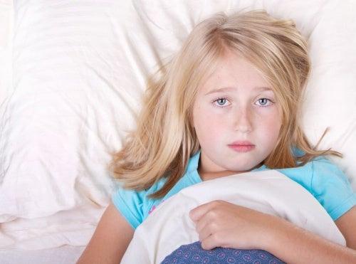 Niña con insomnio