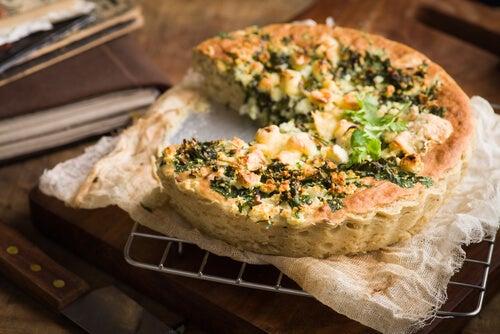 Pastel salado de queso Philadelphia y verduras