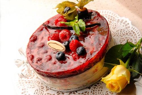 Tarta de crema pastelera con frutas