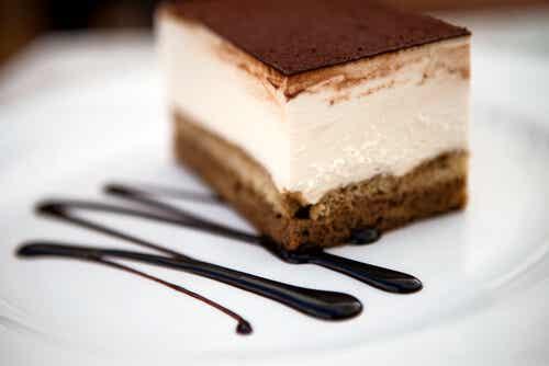 Tarta de crema, café y chocolate