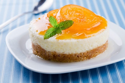 Postres light: tarta de yogur.