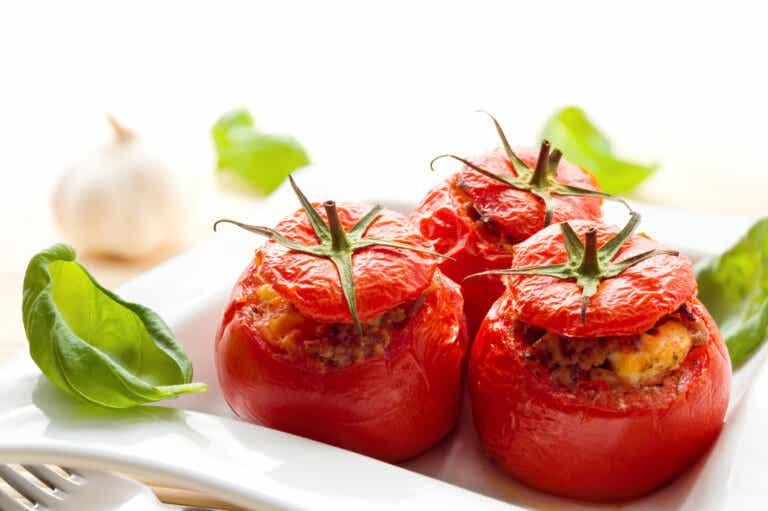 ¿Sabías que el tomate cocinado es mucho mejor que el crudo? ¡Te lo explicamos!