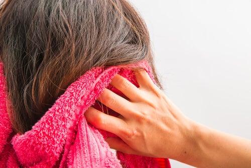 10 tips caseros para potenciar el crecimiento del cabello