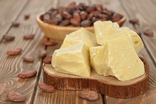 Manteca-de-cacao-contra-estrías