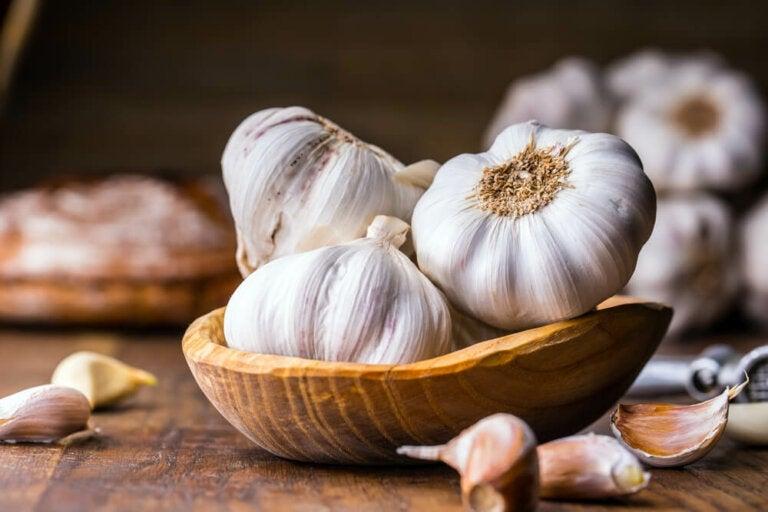 10 usos saludables del ajo