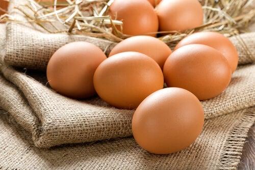 Juego con huevos.