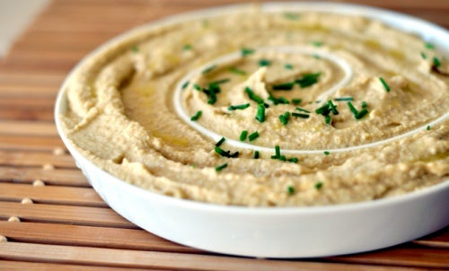 El hummus forma parte de los menús diarios para una dieta saludable