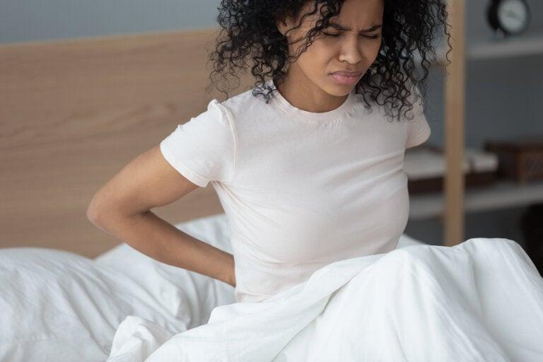 Causas de dolor en la espalda baja y cómo aliviar el dolor lumbar