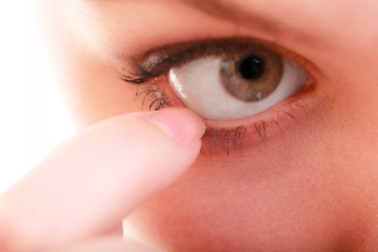 10 remedios naturales para la picazón en los ojos