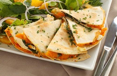 quesadilla de queso y espinacas
