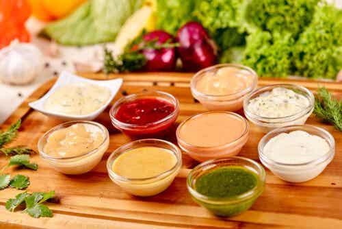 9 salsas para ensaladas para hacer en casa