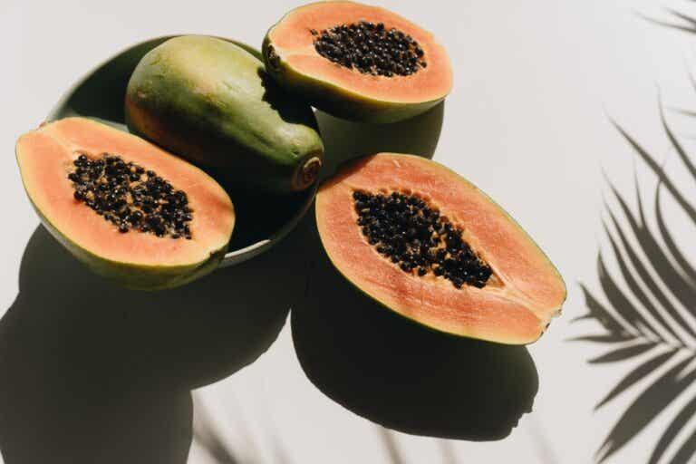 Semillas de papaya contra los parásitos intestinales