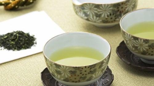 Descubre el té mu: la infusión que cuida de la mujer