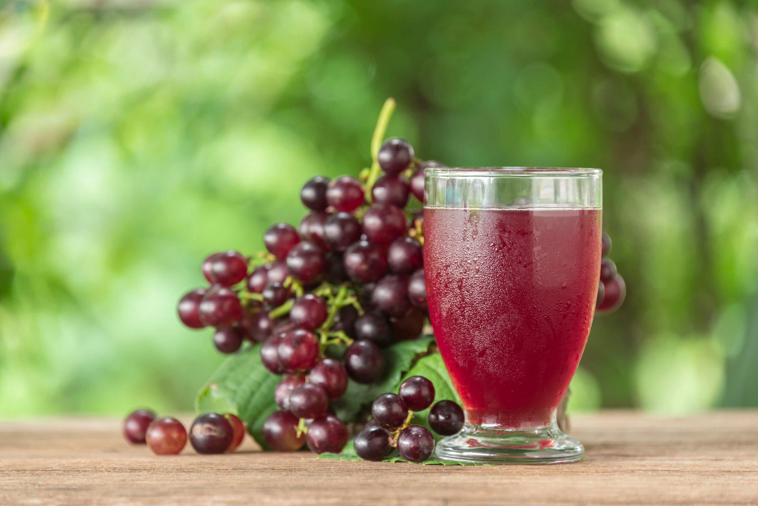 Las uvas forman parte de las frutas demasiado maduras que se pueden aprovechar.