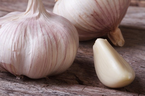 El ajo es uno de los remedios para luchar contra las infecciones de manera natural