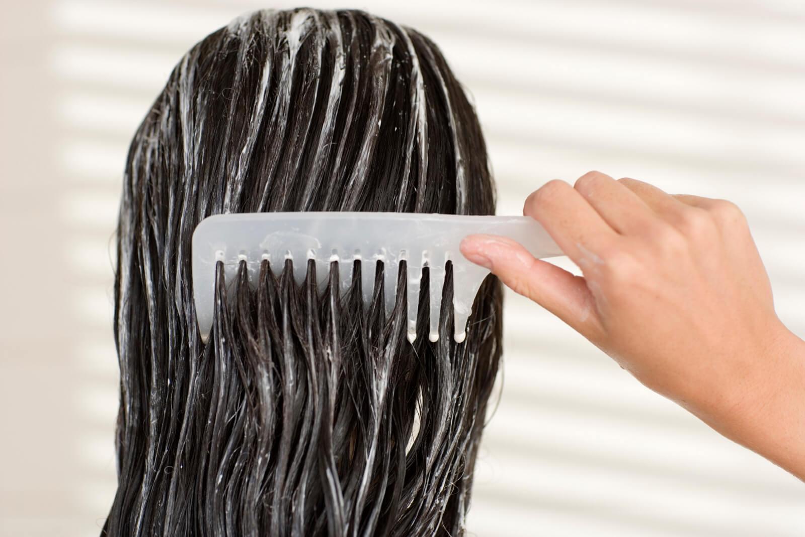 Tratamiento hidratante para pelo ondulado